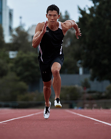 Andrew Brisbanes track athlete sprinting on the running track
