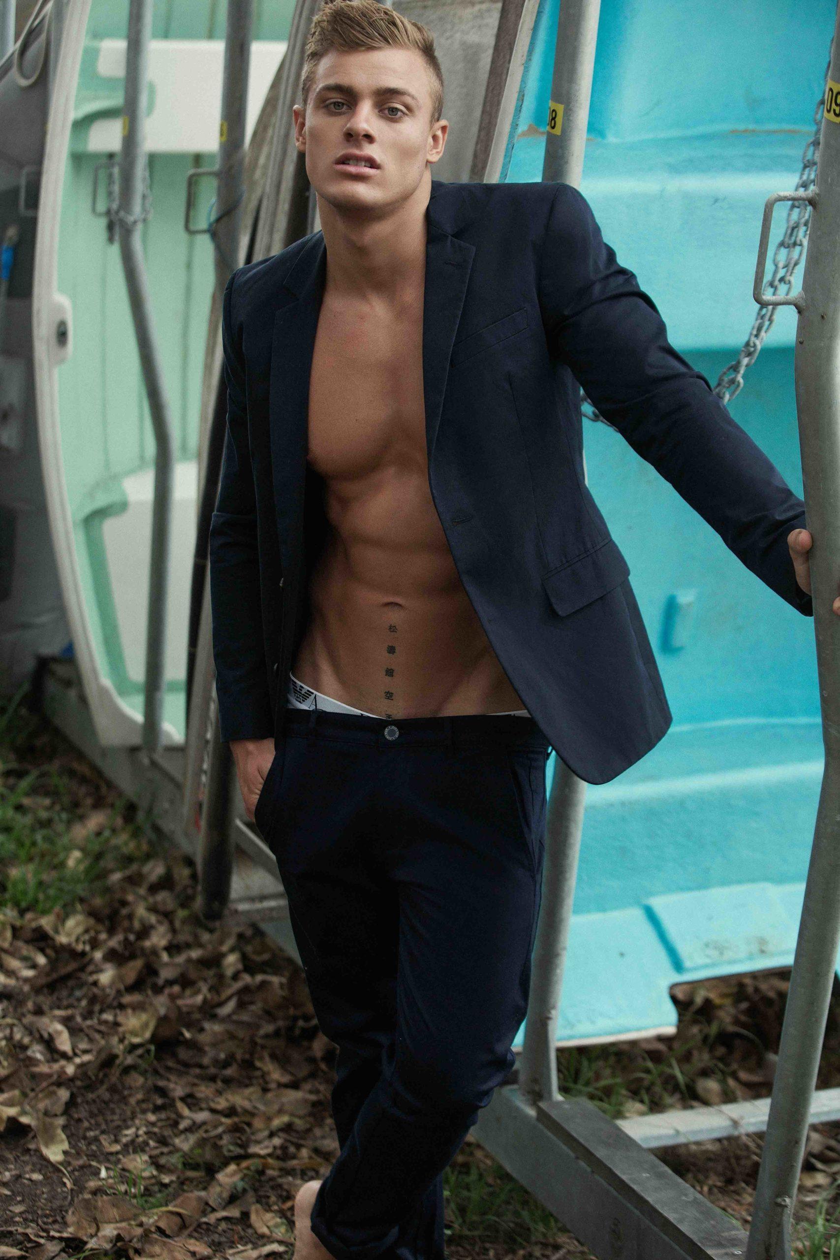 Drew Sydney's male fitness model