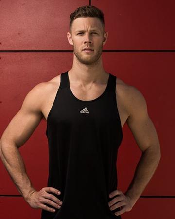 Josh Brisbane's elite fitness model in two times you compression gear