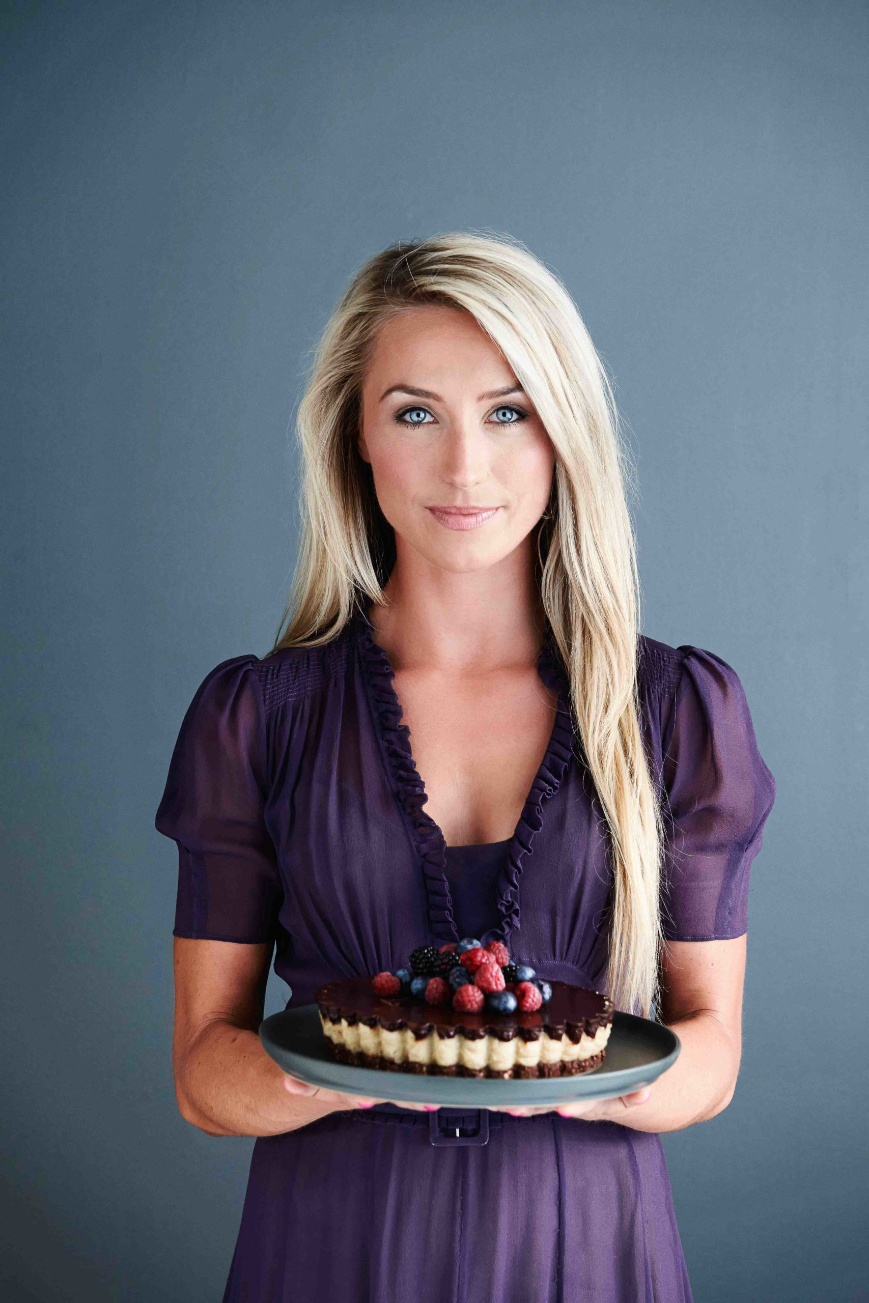 Justyna holding delicious cake