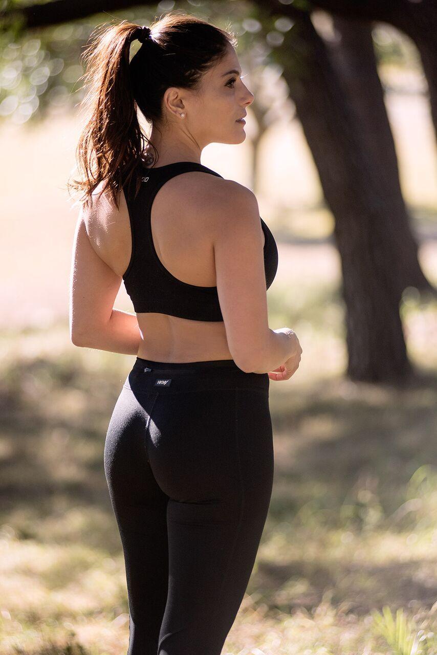 Kerri Sydney female fitness model