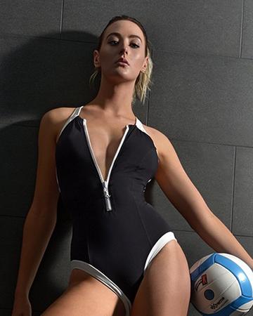 Lauren Perth swimsuit model