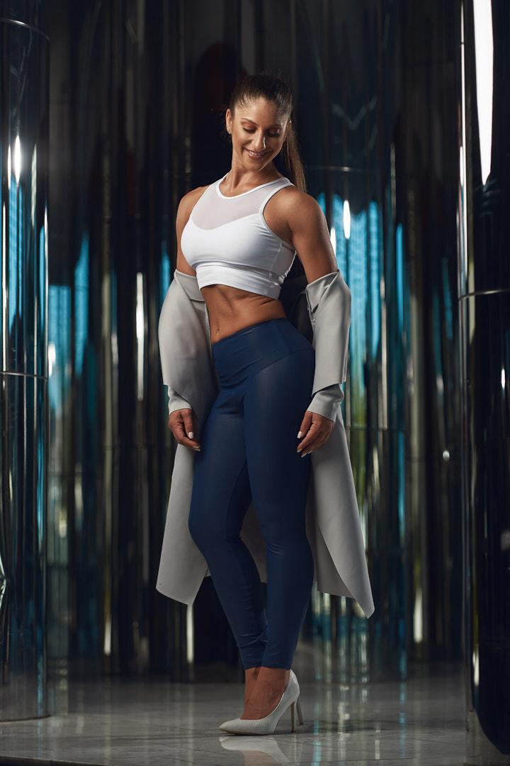 Layla Melbourne's elite fitness female model
