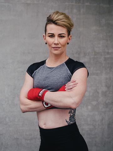 Lisa Brisbane's mature female model