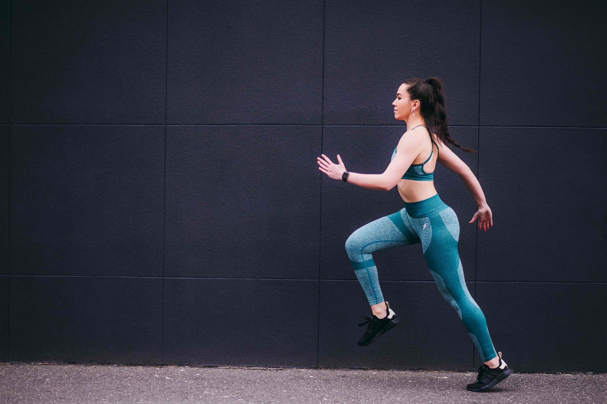 2020/06/Deborah female fitness model running