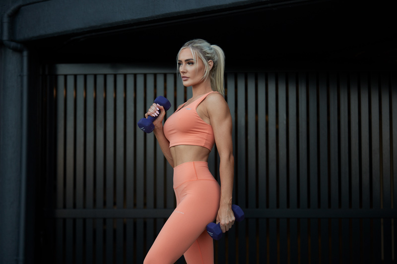 Alex Queenesland female fitness model durng fitness photo shoot
