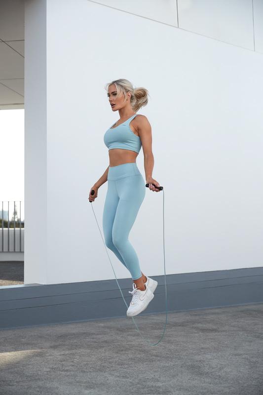 Alex Queenesland female fitness on speed rope