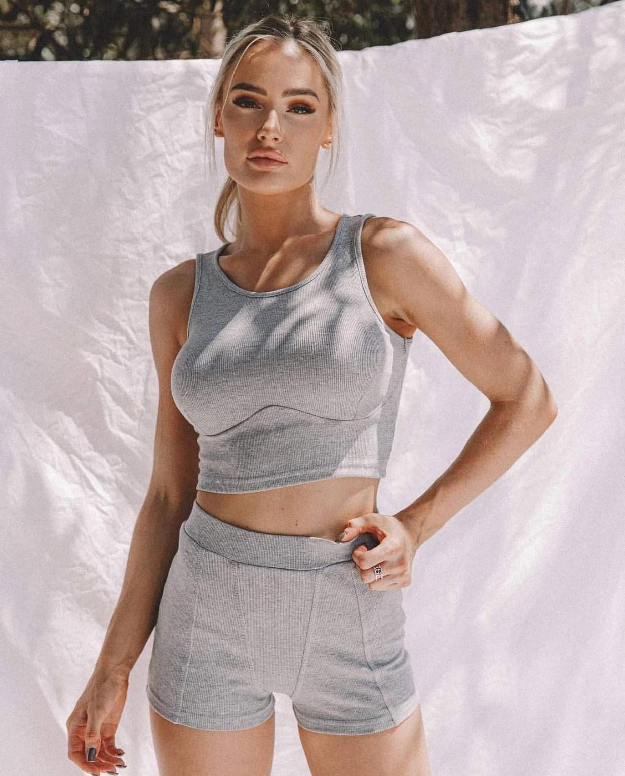 Alex Queensland fitness model wearing nike