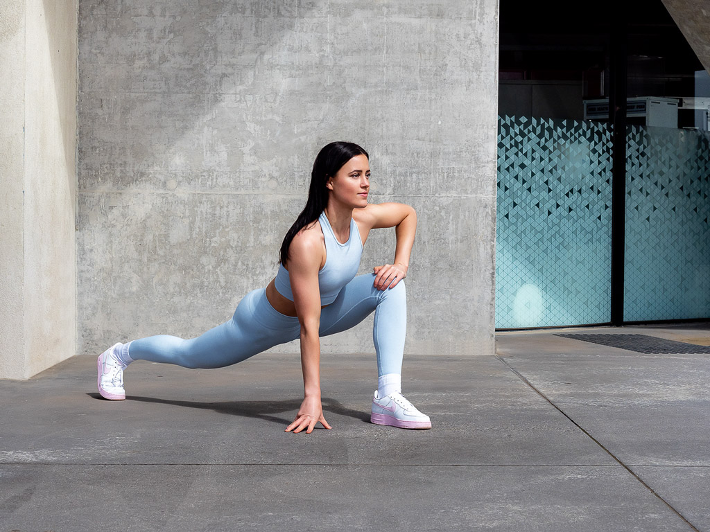 Amy Melbourne Fitness Model and High Level Dancer lunging 1