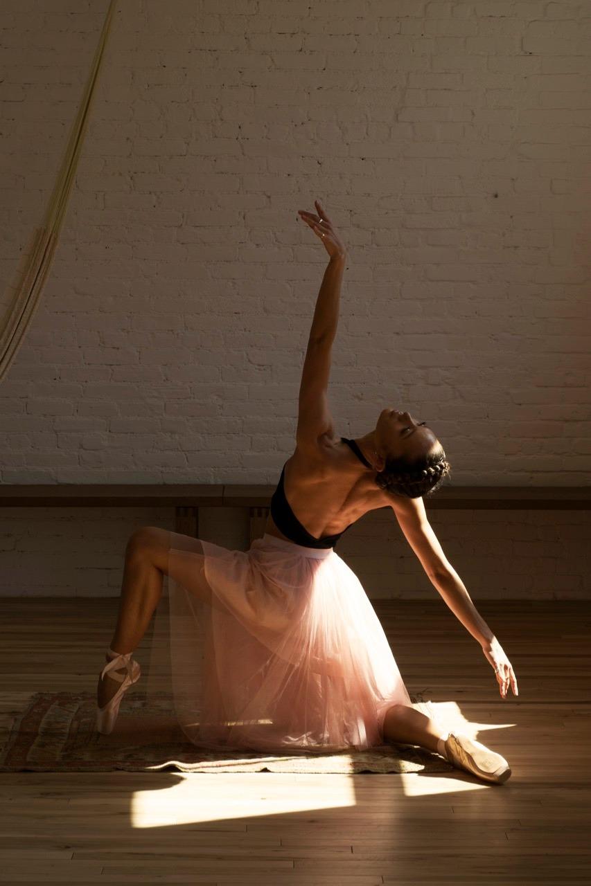 Aiko Gold Coasts yoga model
