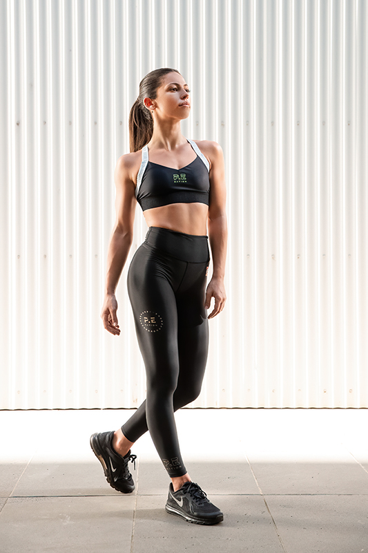 Ellys Melbournes young talented female fitness model 5
