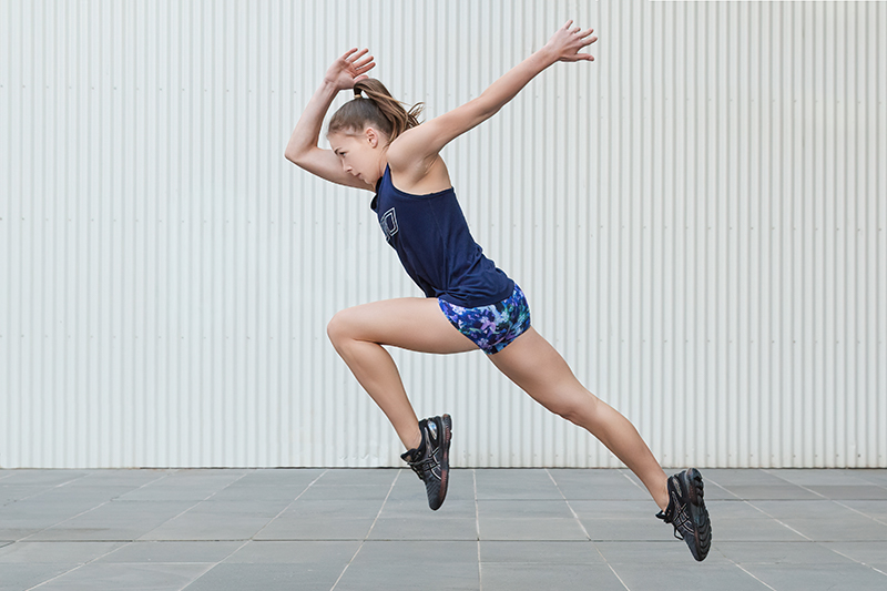 Georgia melbournes young teen fitness model running out of the blocks