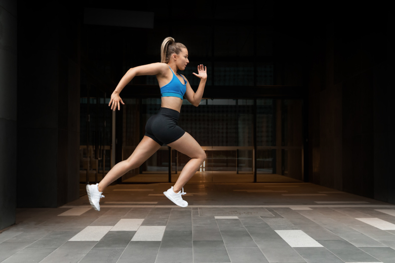 Georgie melbourne teen fitness model sprinting